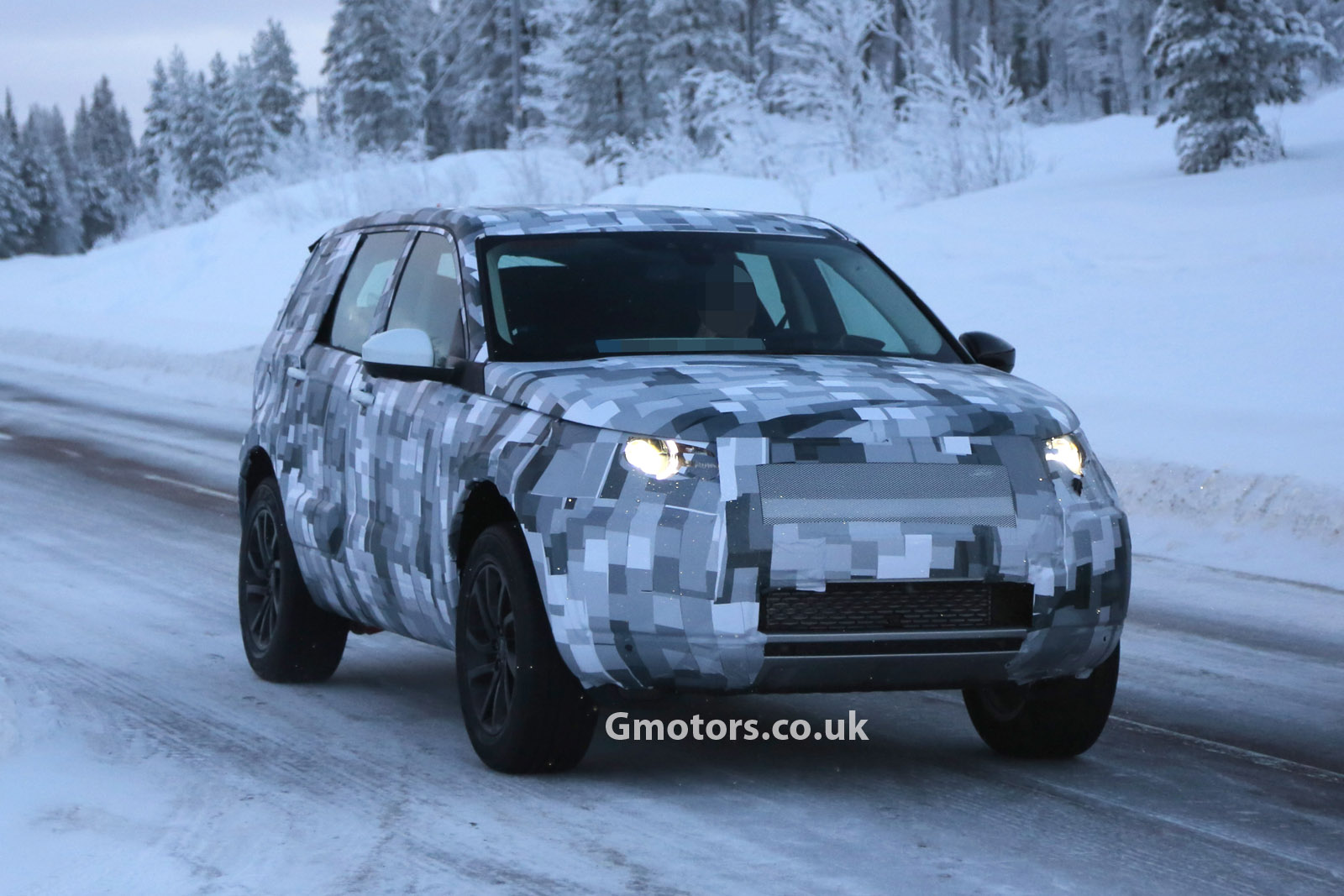 2014 - [Land Rover] Discovery Sport [L550] - Page 2 2015-Land-Rover-Freelander-6