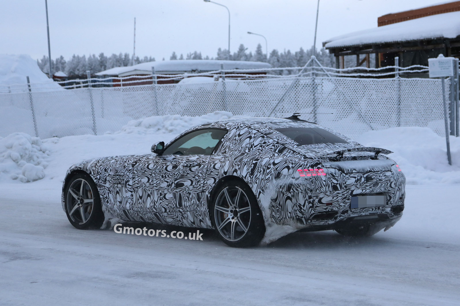 2014 - [Mercedes-AMG] GT [C190] - Page 4 2015-Mercedes-AMG-GT-cold-weather-testing-2
