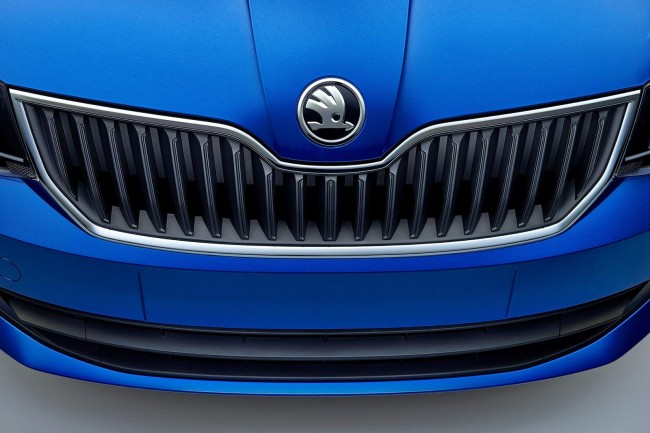 2015 Skoda Fabia front grille
