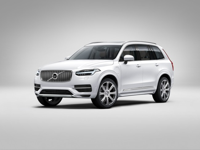 2015 Volvo XC90 white side front