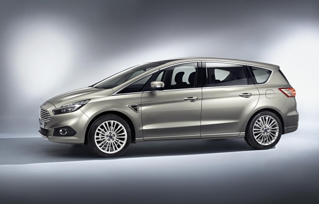 2015 Ford S-MAX side
