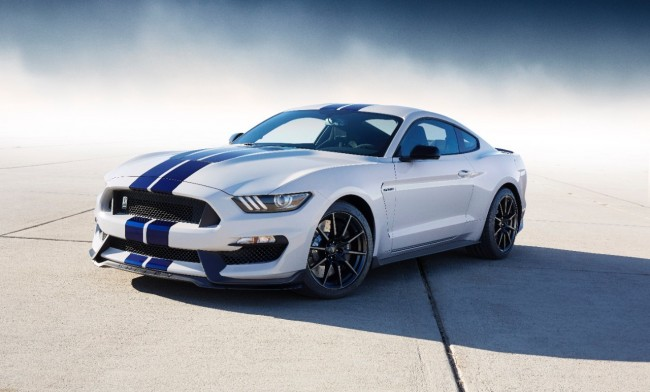 Ford Shelby GT350 Mustang 11