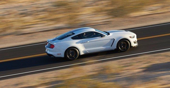 Ford Shelby GT350 Mustang 4
