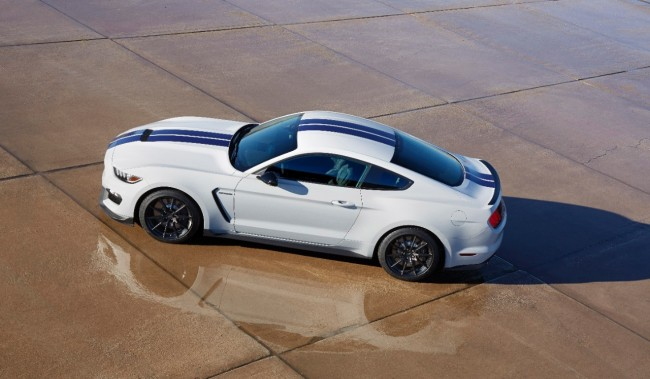 Ford Shelby GT350 Mustang 9