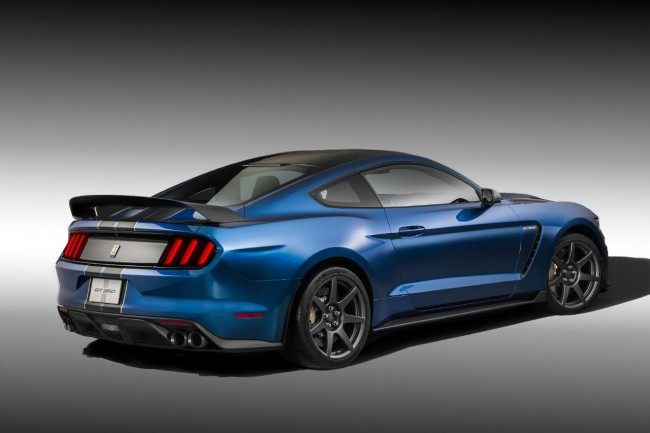 Ford Shelby GT350R Mustang 2