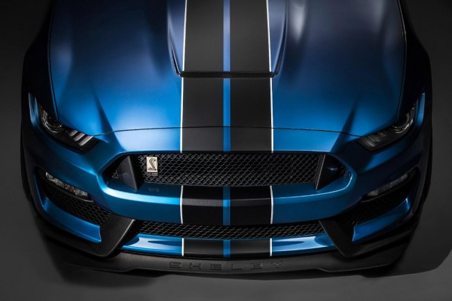 Ford Shelby GT350R Mustang 4
