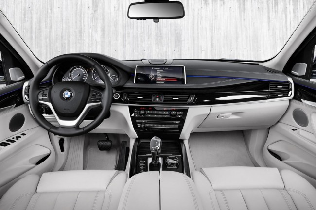2015 BMW X5 xDrive40e interior