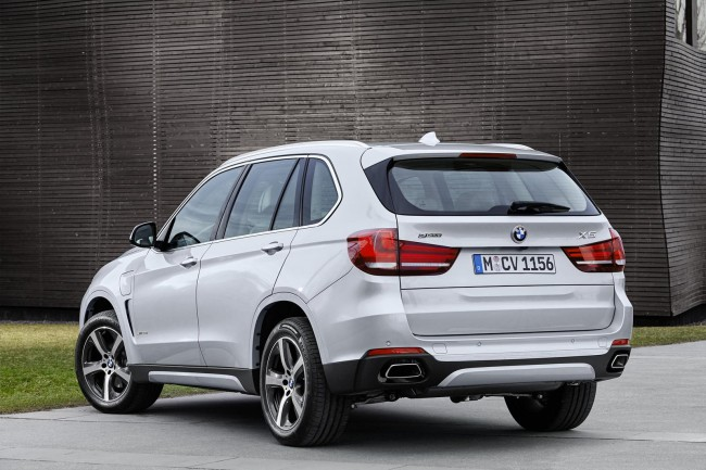 2015 BMW X5 xDrive40e rear