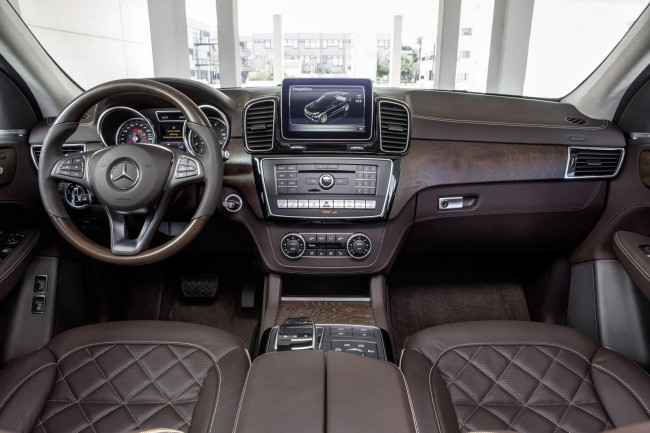 2016 Mercedes GLE interior