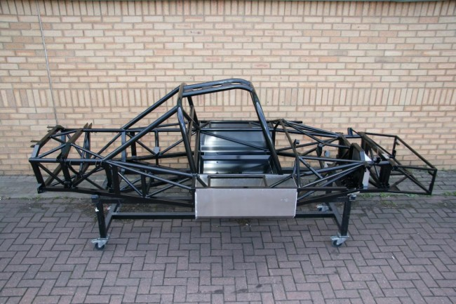 Ultima Evolution chassis