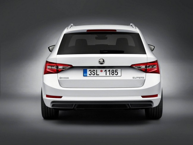 2015 Skoda Superb Combi rear