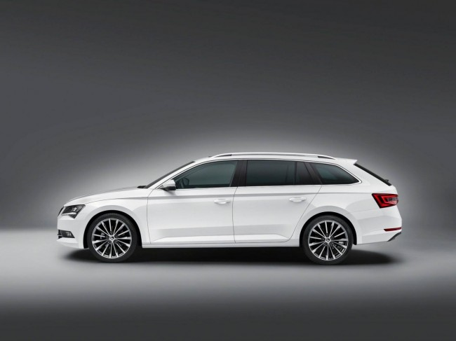 2015 Skoda Superb Combi side