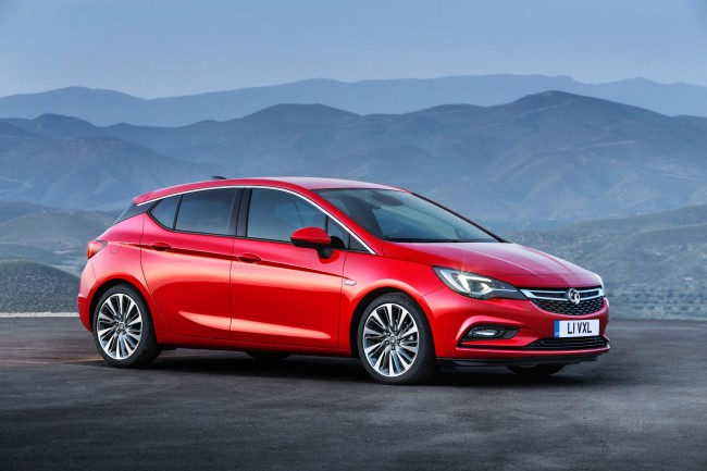 2015 Vauxhall Astra side