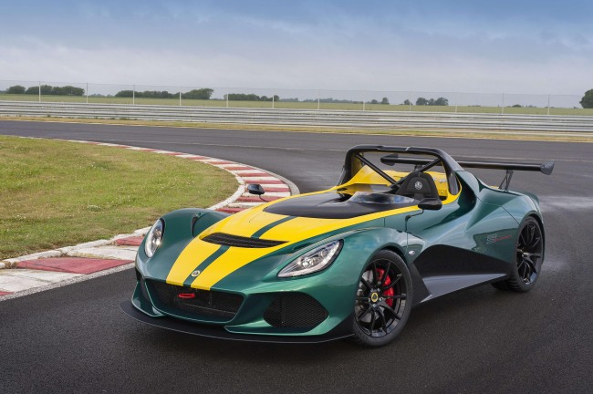 2016 Lotus 3-Eleven on the track
