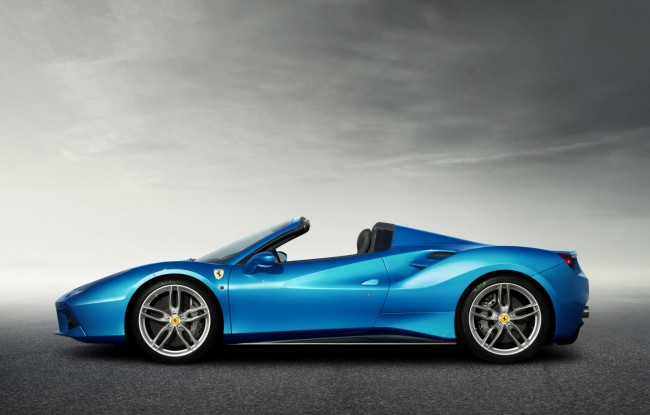 Ferrari 488 Spider side