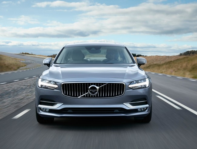 171453_Location_Volvo_S90_Front_Mussel_Blue