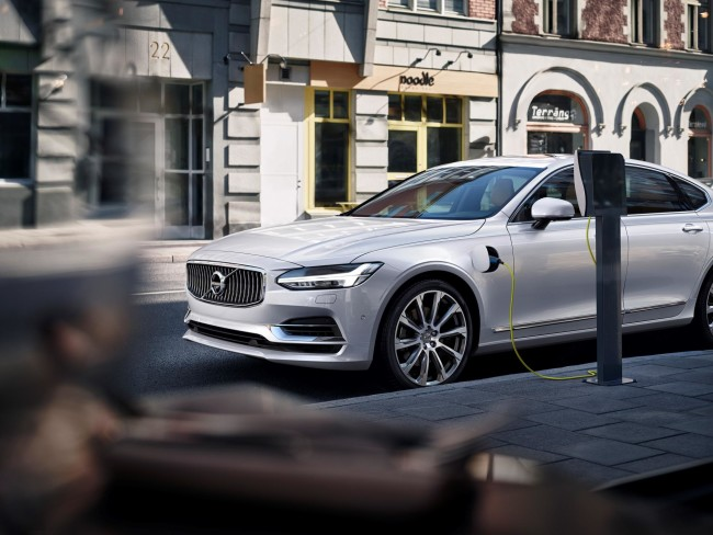 171460_Twin_Engine_T8_Volvo_S90_Inscription_White
