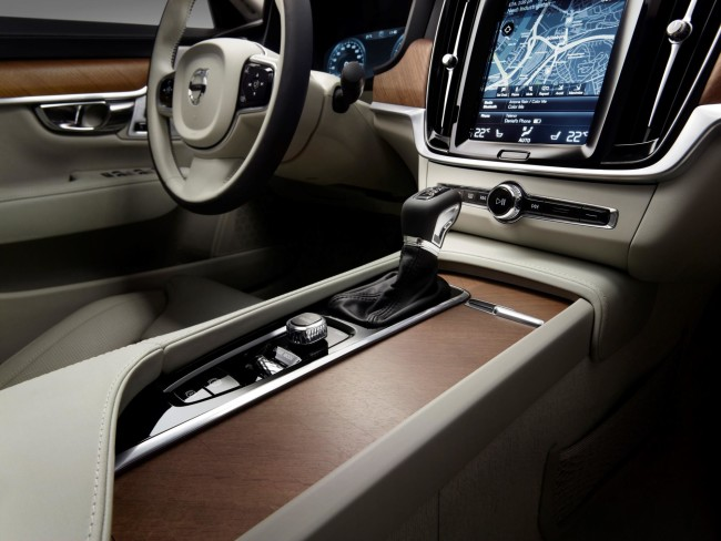 171471_Interior_Tunnel_Console_Volvo_S90