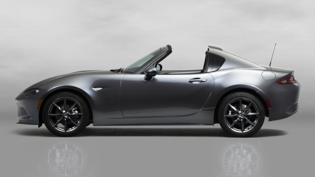 3Mazda_MX-5RF_showmodel_Side_open_white