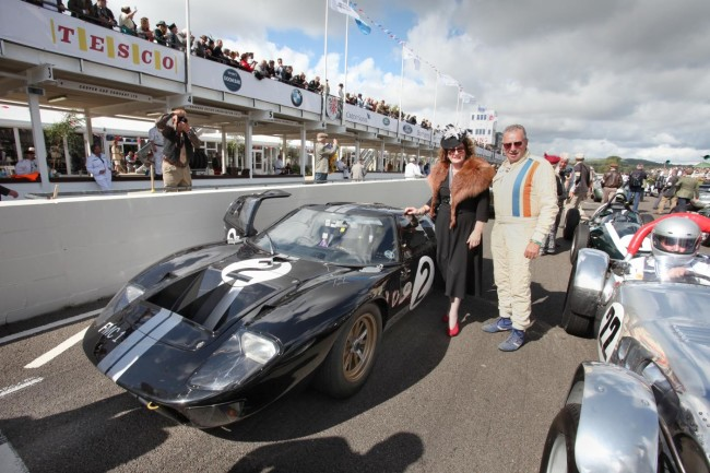 Bruce McLarens sister, Jan, with a 1966-liveried GT40