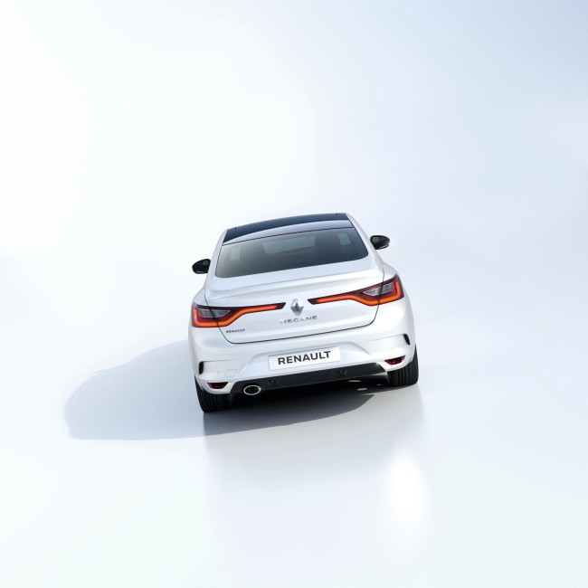 ALL- NEW MÉGANE GRAND COUPE EMBARGO 09h00 UK 120716 (6)