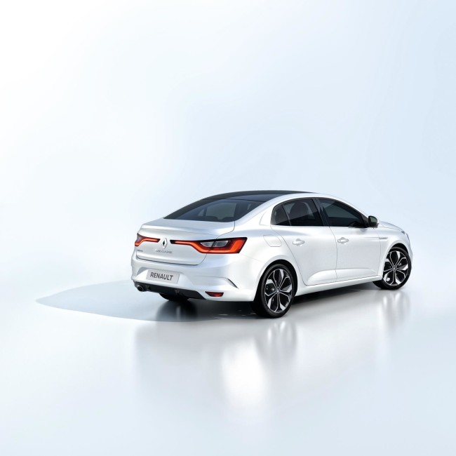ALL- NEW MÉGANE GRAND COUPE EMBARGO 09h00 UK 120716 (7)