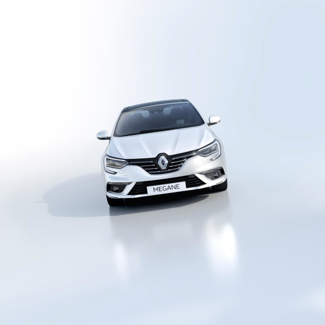 ALL- NEW MÉGANE GRAND COUPE EMBARGO 09h00 UK 120716 (8)