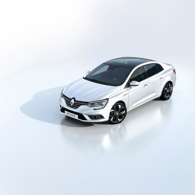 ALL- NEW MÉGANE GRAND COUPE EMBARGO 09h00 UK 120716 (9)